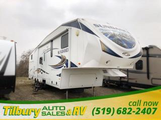 Used 2011 HEARTLAND SUNDANCE 3300CK FIFTH-WHEEL Great Bunkhouse! for sale in Tilbury, ON