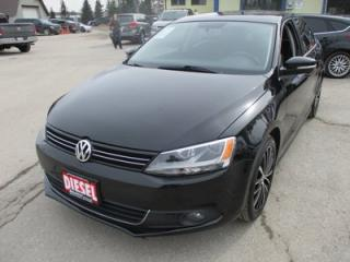 Used 2014 Volkswagen Jetta LOADED TDI MODEL 5 PASSENGER 2.0L - TURBO DIESEL.. LEATHER.. HEATED SEATS.. TOUCH SCREEN.. POWER SUNROOF.. BLUETOOTH.. for sale in Bradford, ON