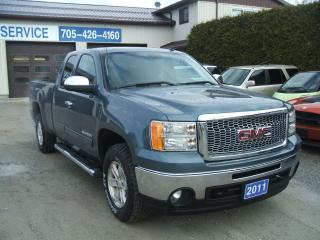 Used 2011 GMC Sierra 1500 SLE , Ex. Cab, 4X4 for sale in Beaverton, ON