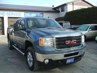 Used 2011 GMC Sierra 2500 SLE, HD, 4 Door Crew, 4X4, Diesel for sale in Beaverton, ON