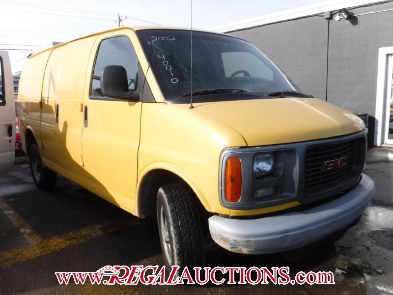 Photo of Yellow 2002 GMC G2500 SAVANA CARGO VAN
