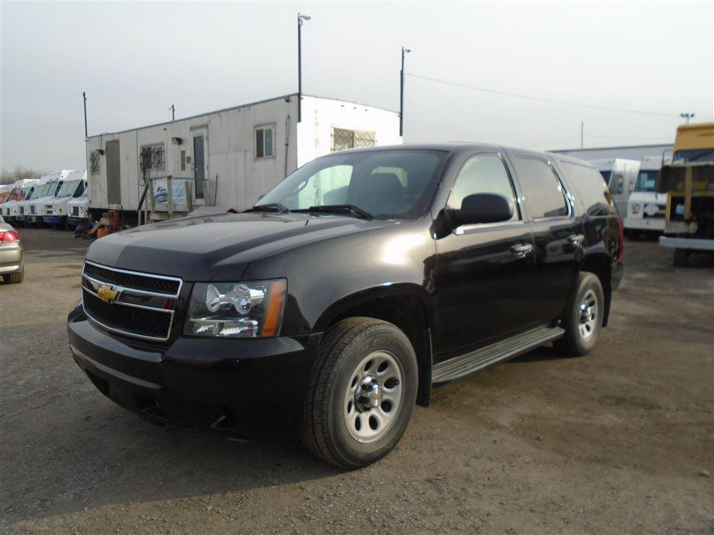 image automobiles chevrolet used side photo utility details white view sport door summit edmonton in tahoe ab right