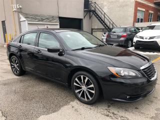 Used 2013 Chrysler 200 S for sale in Toronto, ON