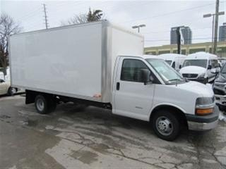 Used 2017 Chevrolet Express 4500 Gas 16 ft Alum Box Cube Van for sale in Richmond Hill, ON