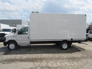 Used 2016 Ford E450 Unicell 16 ft gas cube van high box for sale in Richmond Hill, ON