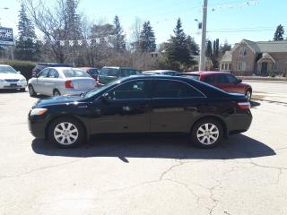 Used 2009 Toyota Camry LE Hybrid for sale in Guelph, ON