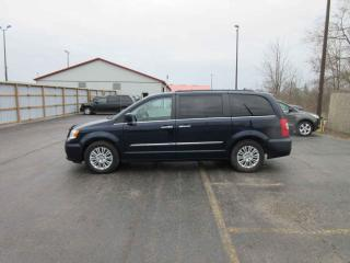 Used 2015 Chrysler Town & Country Touring FWD for sale in Cayuga, ON