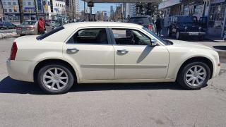 Used 2009 Chrysler 300 LIMITED for sale in North York, ON