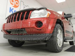 Used 2006 Jeep Grand Cherokee Laredo 4x4 with push start and blazing red for sale in Edmonton, AB