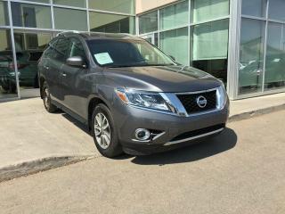 Used 2016 Nissan Pathfinder SV/4WHEEL DRIVE/HEATED SEATS/HEATED WHEEL/BACK UP CAMERA for sale in Edmonton, AB