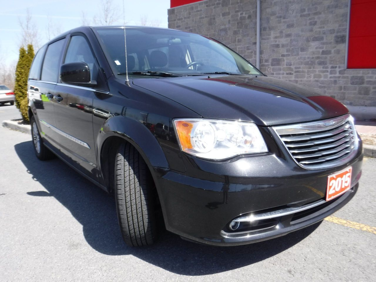 Details Stephen Fitzgerald Motors 2015 Chrysler Town And Country