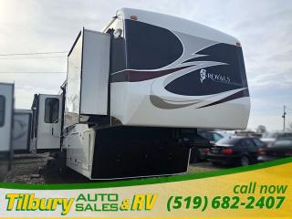 Used 2011 Carriage Resort Vehicles Royals International 36XTRM5 REAL WOOD. LUXURY. FIFTH-WHEEL for sale in Tilbury, ON
