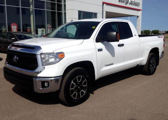 2014 Toyota Tundra SR5+ PACKAGE