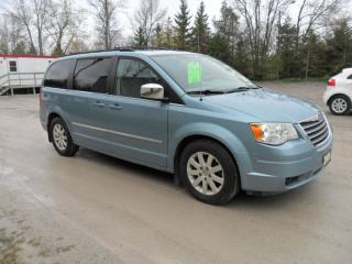 Used 2009 Chrysler Town & Country TOURING for sale in Beaverton, ON