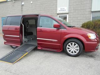 Used 2014 Chrysler Town & Country Touring-Wheelchair Accessible Side Entry-Short for sale in London, ON