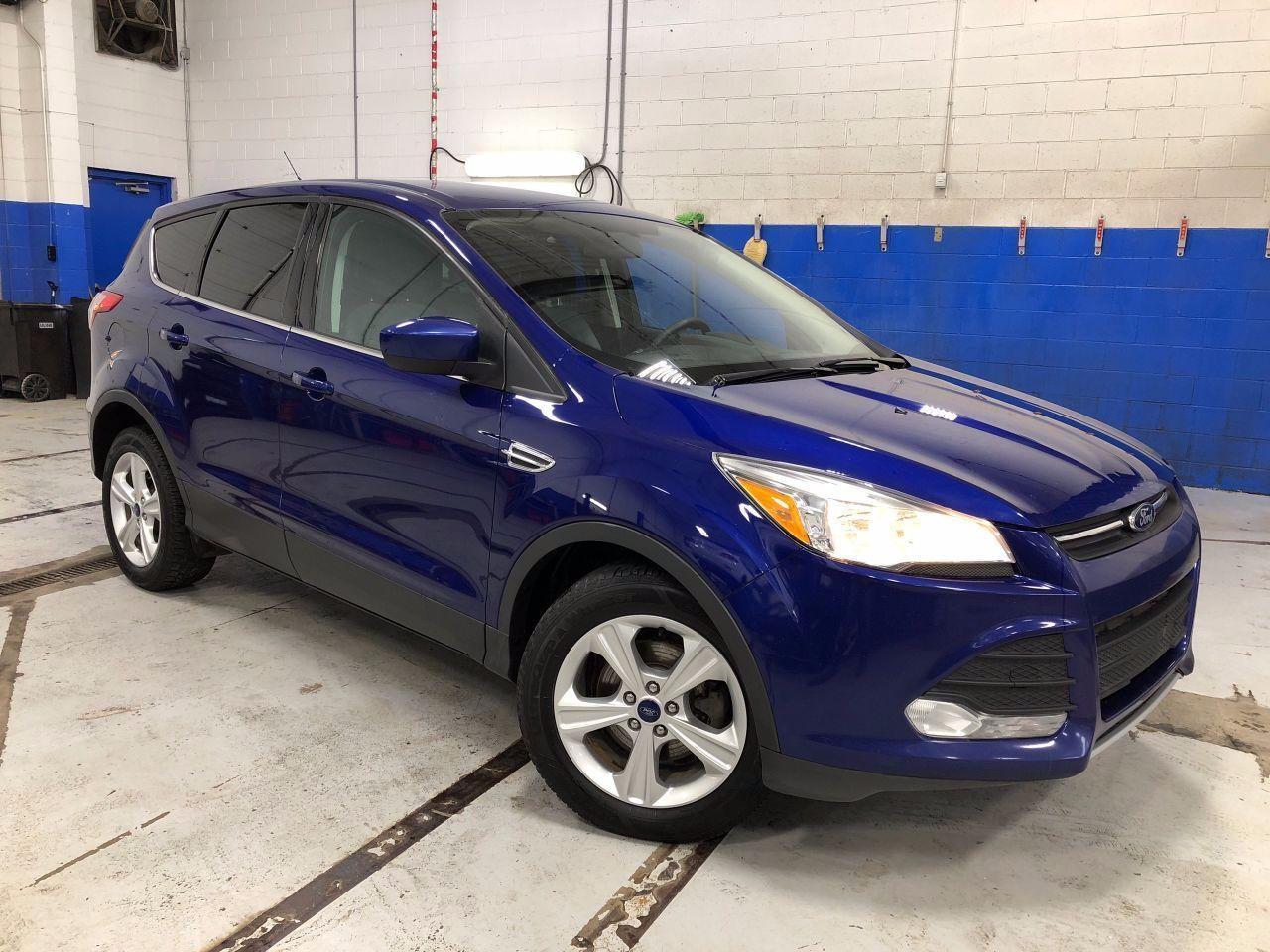 2015 Ford Escape SE - BACK UP CAMERA  - HEATED SEATS - ALLOYS