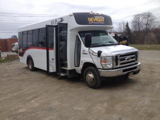 Used 2011 Ford Econoline Minibus 21 Passagers for sale in Sherbrooke, QC