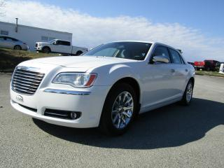 Used 2011 Chrysler 300 Berline 4 portes Limited, traction arriè for sale in Thetford Mines, QC
