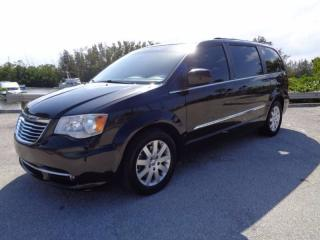 Used 2012 Chrysler Town & Country TOURING - DVD - NAVIGATION - SUNROOF - ALLOYS for sale in Aurora, ON