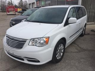 Used 2016 Chrysler Town & Country TOURING for sale in Alliston, ON