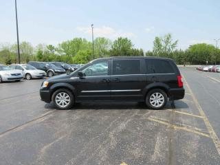 Used 2015 Chrysler TOWN  and  COUNTRY TOURING FWD for sale in Cayuga, ON