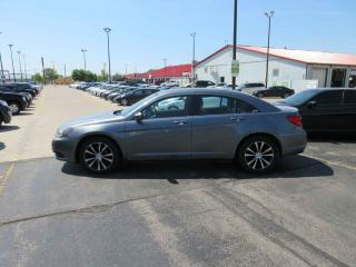 Used 2013 Chrysler 200 S FWD for sale in Cayuga, ON