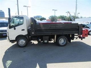 Used 2014 Hino 195 11FT DELTA DUMP BOX DIESEL W/ PLOW AND SALTER for sale in Richmond Hill, ON