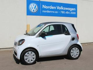 Used 2016 Smart fortwo PURE - NAV - HEATED SEATS - ALMOST NEW! for sale in Edmonton, AB