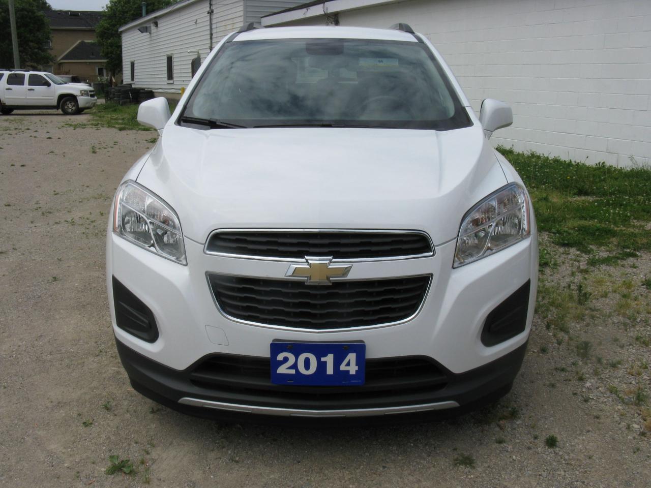 Photo of White 2014 Chevrolet Trax