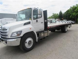 Used 2018 Hino 338 DIESEL 27 FT FLATDECK for sale in Richmond Hill, ON
