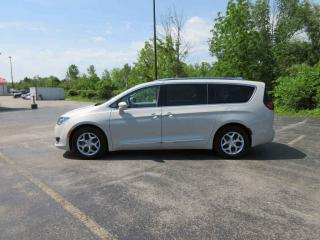 Used 2017 Chrysler PACIFICA TOURING-L PLUS FWD for sale in Cayuga, ON