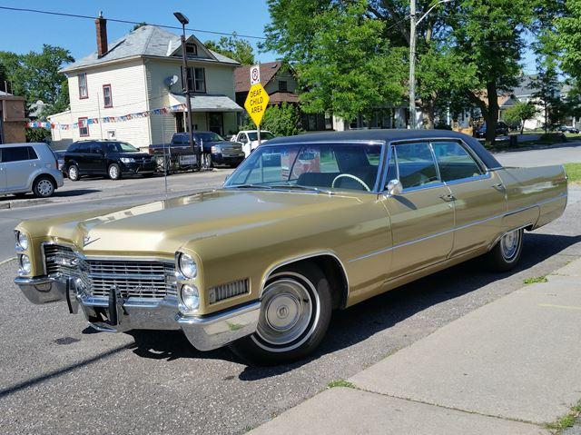 1966 Cadillac DeVille Sedan De-Ville **CAREFULLY STORED FOR 20YRS**EXCELLENT CONDITION INSIDE AND OUT!!!***