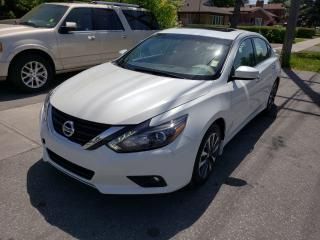 Used 2016 Nissan Altima 2.5 SL Tech for sale in Scarborough, ON