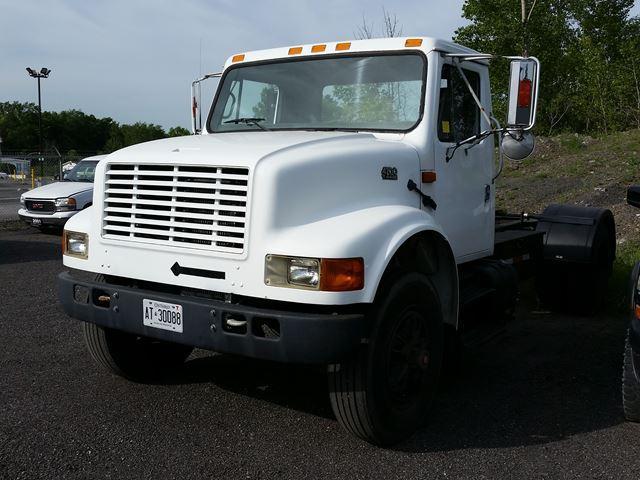 1995 International 4300 4700 T444E