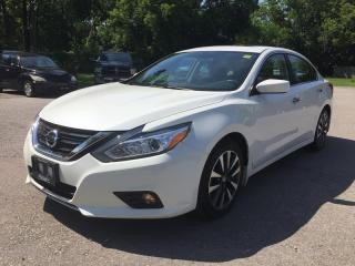 Used 2017 Nissan ALTIMA SV * BACKUP CAMERA * HEATED SEATS * POWER MOONROOF * BLUETOOTH * LOW KM for sale in London, ON