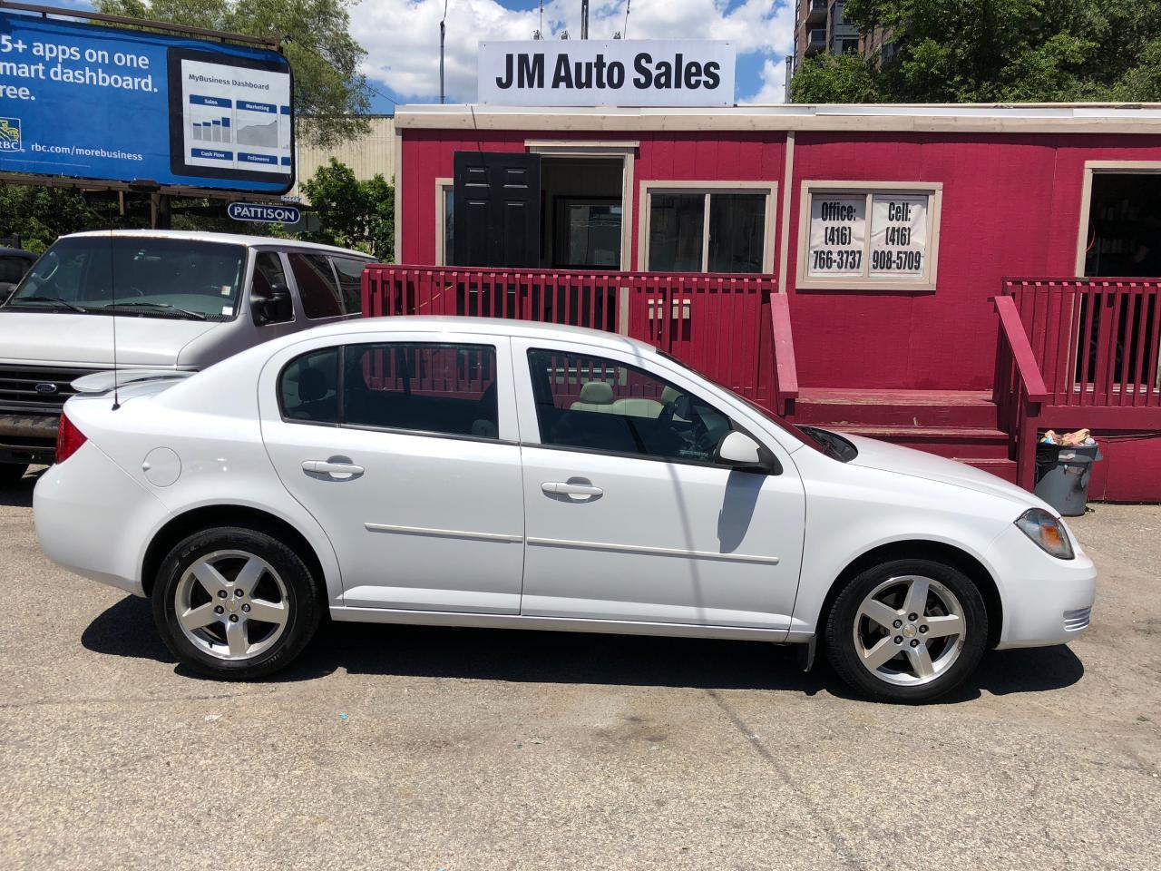 Photo of White 2010 Chevrolet Cobalt