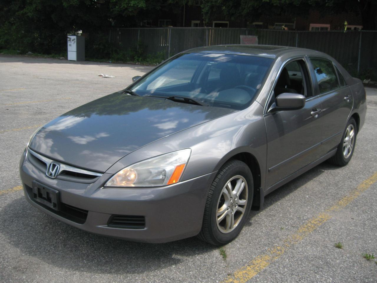 Photo of Gray 2006 Honda Accord