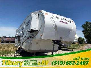 Used 2010 Flagstaff 8528RKWS Fifth-Wheel for sale in Tilbury, ON