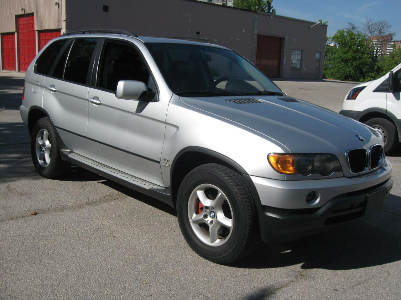 Photo of Silver 2003 BMW X5