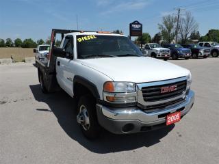 Used 2005 GMC Sierra 3500 SL. Diesel. 4X4. 9' Flat deck. Only 105 Km. for sale in Gorrie, ON