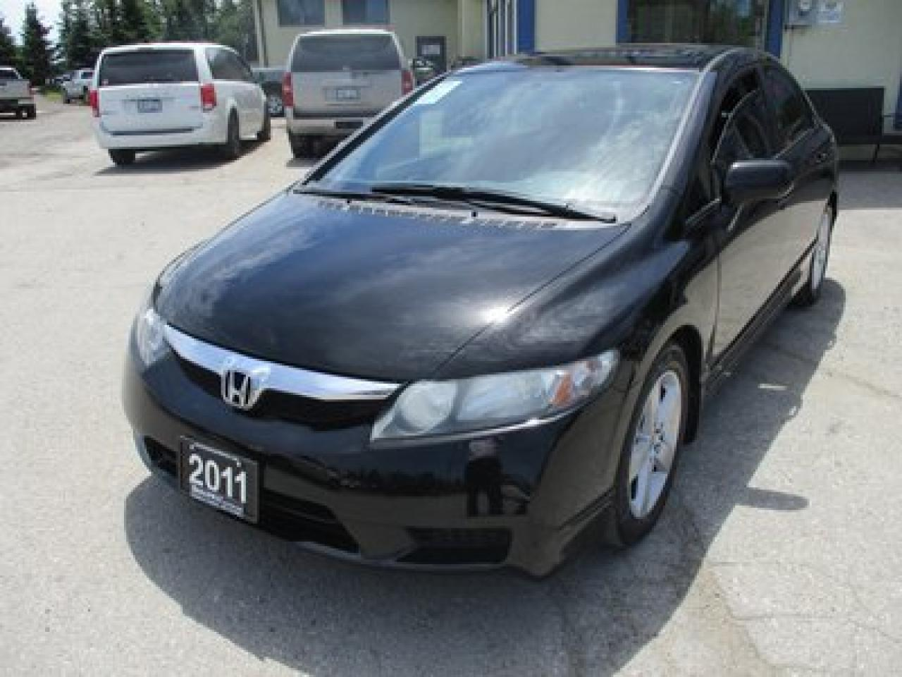 2011 Honda Civic POWER EQUIPPED LX MODEL 5 PASSENGER 1.8L - SOHC.. CD/AUX INPUT.. KEYLESS ENTRY.. POWER SUNROOF..