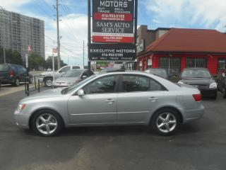 Used 2010 Hyundai Sonata GLS / LOADED / LEATHER / SUNROOF / HEATED SEATS / for sale in Scarborough, ON