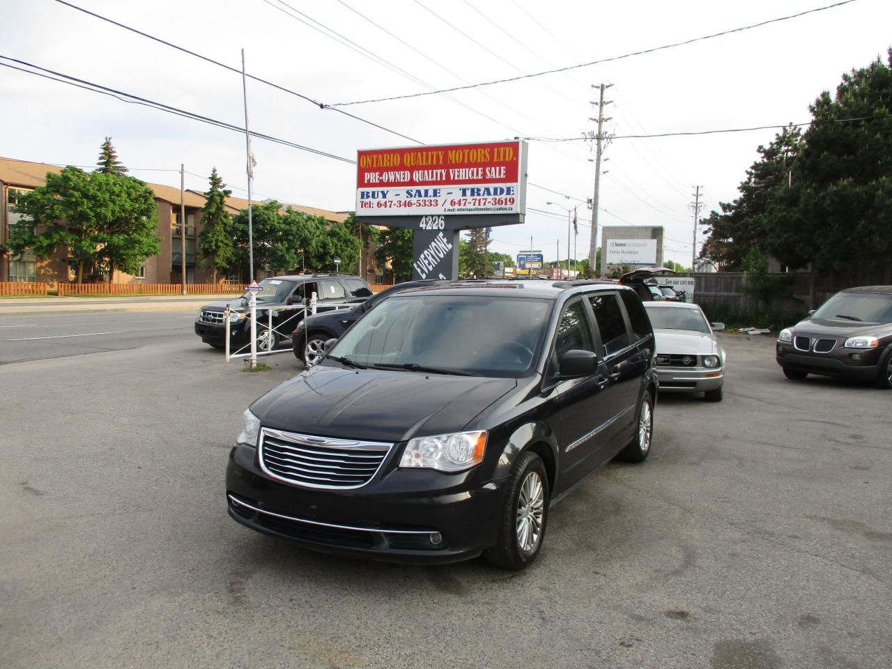 htm and finance image exterior main ny prices town country cicero tnc offers lease ext deals new chrysler