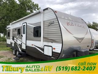 Used 2016 Forest River SHASTA REVERE 27BH BUNK HOUSE! GREAT USED SHAPE! for sale in Tilbury, ON