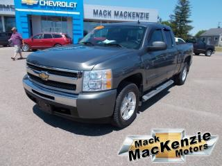 Used 2011 Chevrolet Silverado 1500 LT Extended Cab 4x4 for sale in Renfrew, ON