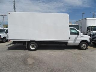 Used 2017 Ford E450 16 FT GAS UNICELL BOX CUBE VAN for sale in Richmond Hill, ON