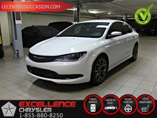 Used 2016 Chrysler 200 S AWD *CUIR/CAMERA/ANGLE MORT* for sale in Saint-eustache, QC