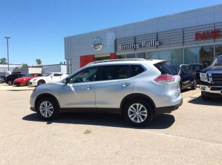 Used 2015 Nissan Rogue SV FWD CVT for sale in Smiths Falls, ON