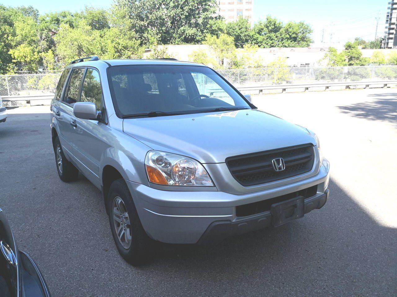 Photo of Silver 2005 Honda Pilot