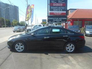 Used 2011 Hyundai Sonata NAVIGATION / LEATHER / SUNROOF / PUSH START/ CLEAN for sale in Scarborough, ON